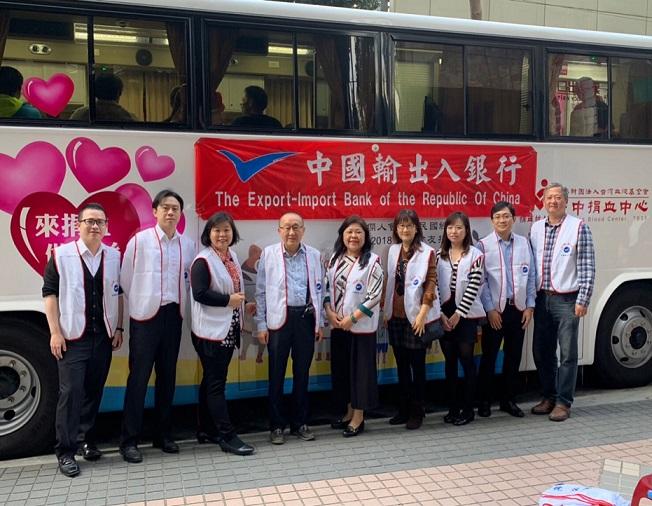 圖片說明-台中分行於1月10號與本行客戶富尚陽企業股份有限公司及台灣商務大樓合辦公益捐血活動