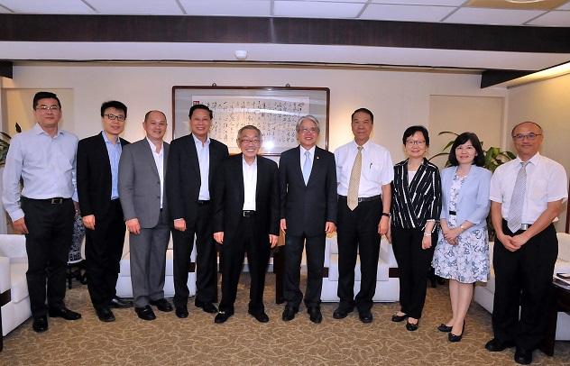 圖片說明-印尼金鋒集團(Maspion Group)總裁林文光博士於8月7日來行拜訪林理事主席,洽談轉融資事宜。